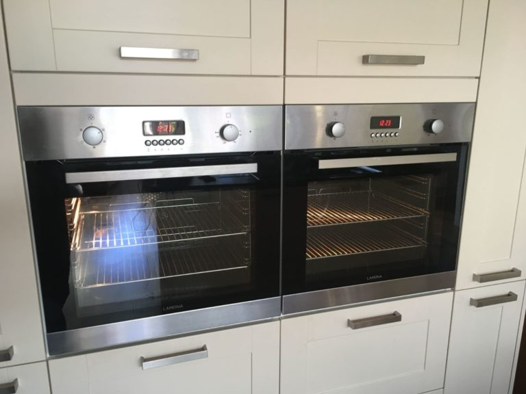 Clean integrated oven
